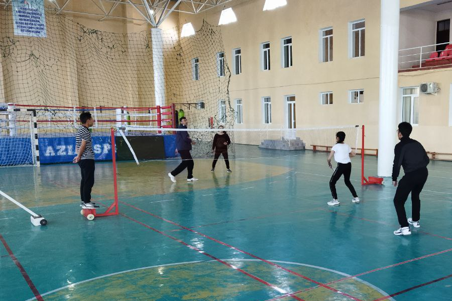 The students took part in the city badminton championship
